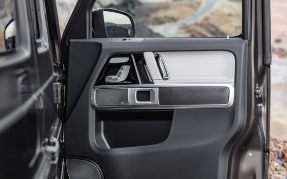 <p>Mercedes-Benz G-Class door panel</p>