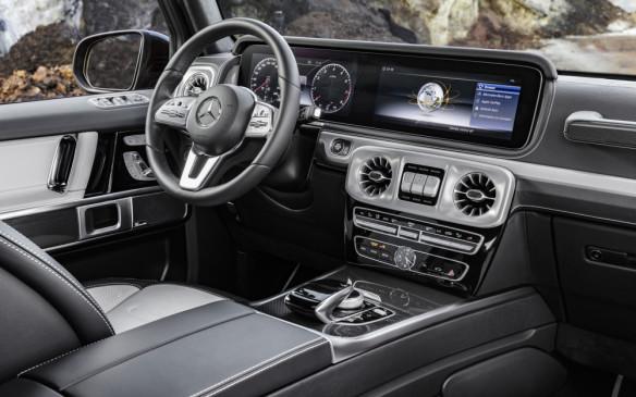 <p>Mercedes-Benz G-Class cockpit</p>