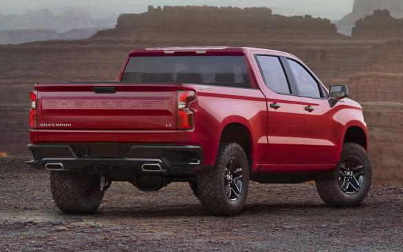 <p>2019 Chevrolet Silverado</p>