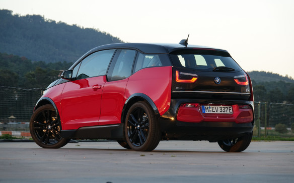 <p>2018 BMW i3s Luxury Compact EV</p>
