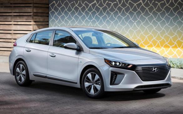 <p>2018 Hyundai Ioniq Plug-in Hybrid</p>