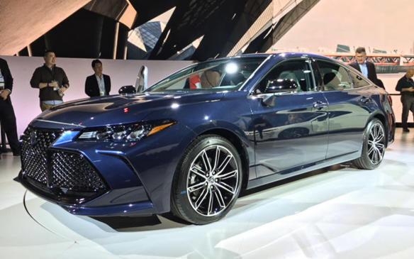 <p>Toyota's new fifth-generation, full-size Avalon sedan adopts an even more aggressive look than the Camry, whose TNGA architecture it shares. As well as a host of new connectivity and infotainment technologies, it offers enhanced safety features and an available hybrid powertrain.</p>