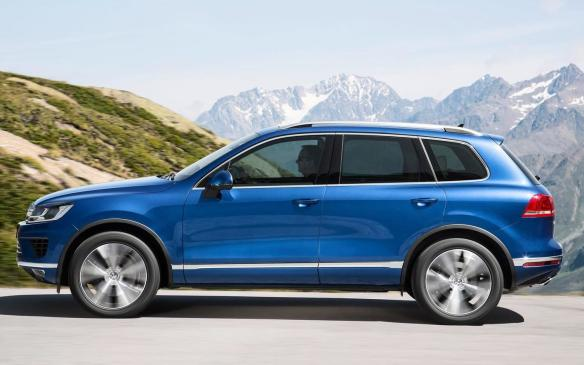 <p>2015 Volkswagen Touareg</p>
