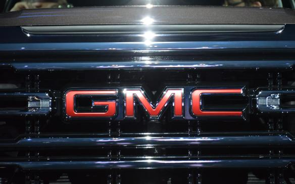 <p>2019 GMC Sierra</p>