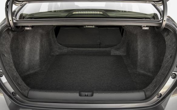 <p>2019 Honda Insight trunk</p>