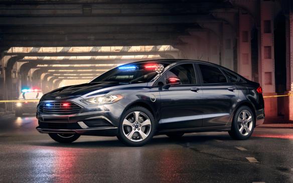 <p>Ford Police Responder Hybrid</p>