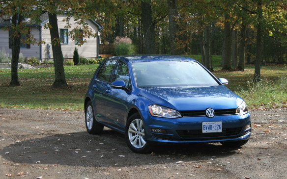 <p>Best New Small Car >$21K- 2015 Volkswagen Golf</p> <p>The2015 Volkswagen Golf was named theBest New Small Car >$21K, ahead of the Kia Forte5 and Mini Cooper.</p> <p></p>