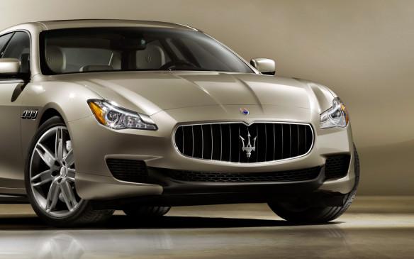 <p>2013 Maserati Quattroporte</p>