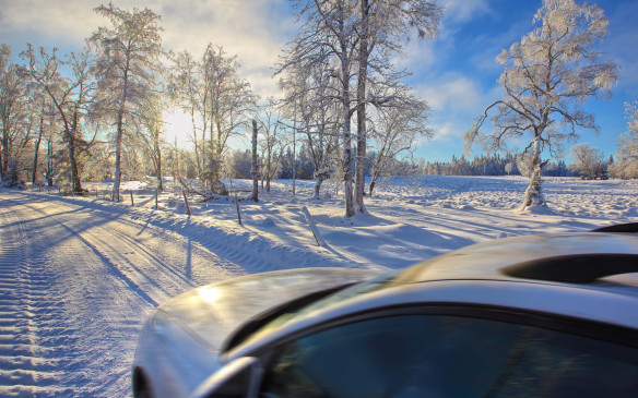 <p>Driving in winter</p>