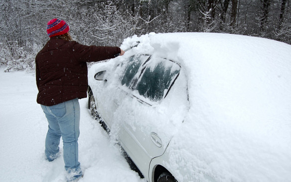 <p>CLEAN THE VEHICLE – Start at the roof, then the windows, then the mirrors and lights followed by the grille and trunk lid, ensuring it is all gone before it slides down blocking the windows or lights.</p>