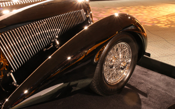 <p>Teardrop fender on the 1936 Delahaye Competition Court Teardrop Coupe reflects the 1912 Stutz Bearcat</p>