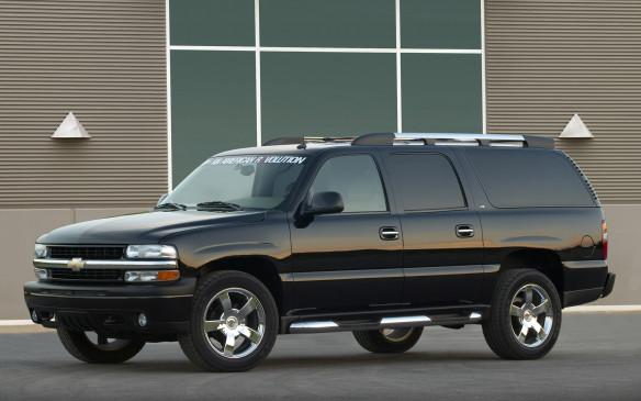 <p>2003 Chevrolet Suburban</p>