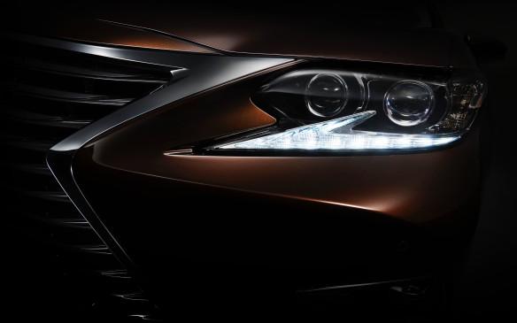 <p>2016 Lexus ES Teaser</p>