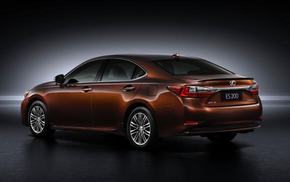 <p>2016 Lexus ES</p>