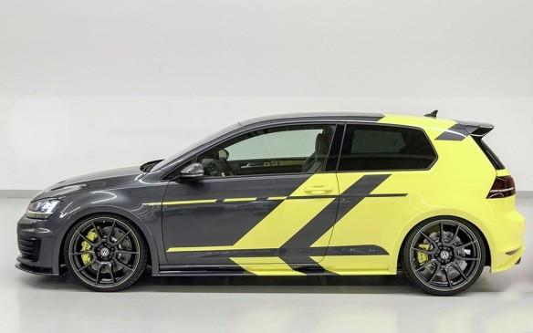 <p>Volkswagen GTI Dark Shine</p>