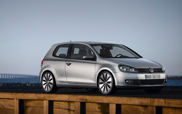 <p>2010-11 Volkswagen Golf 2.5</p> <p>After a flirtation with the old Rabbit nameplate to appeal to nostalgic buyers, VW resurrected the Golf name in North America, citing the strong recognition it enjoys globally. With the front-drive PQ35 platform carried over, the 2010 Golf was essentially a re-skinned Rabbit. The Golf's three- and five-door hatchback profile was made less rounded, slightly shorter and significantly lower. The roomy cabin enjoyed new levels of finish that approached Audi-like quality. This is an econobox?</p>
