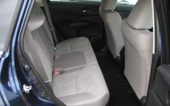 <p>2015 Honda CR-V</p>