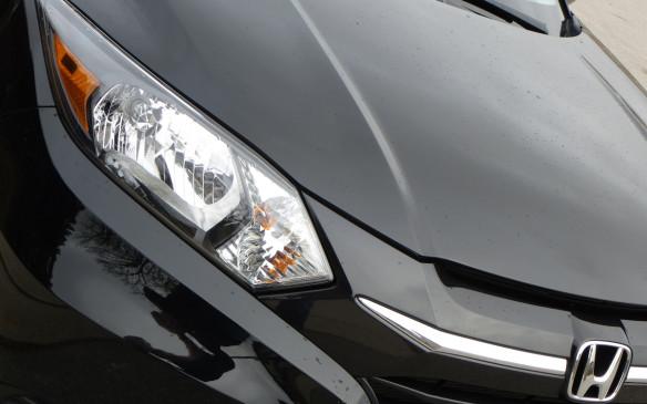 <p>Honda HR-V grille</p>