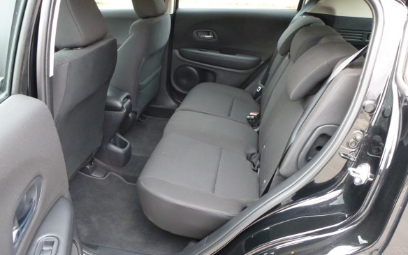 <p>Honda HR-V seats rear</p>