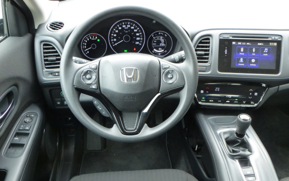 <p>Honda HR-V cockpit</p>