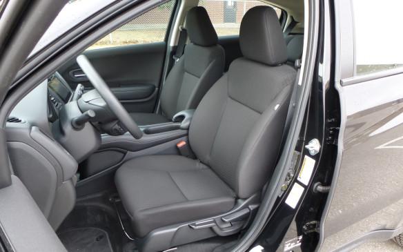 <p>Honda HR-V seats front</p>