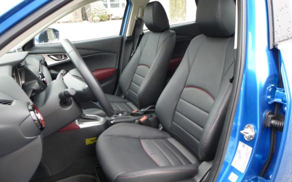 <p>Mazda CX-3 front seats</p>