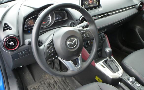 <p>Mazda CX-3 cockpit</p>