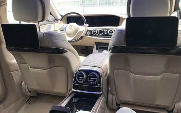 <p>2018 Mercedes-Maybach</p>
