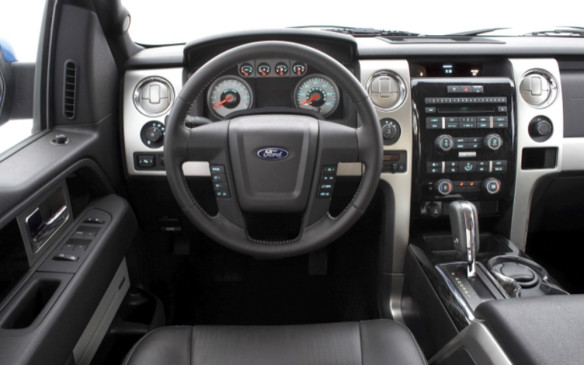 <p>2009 Ford F-150 instrument panel</p>