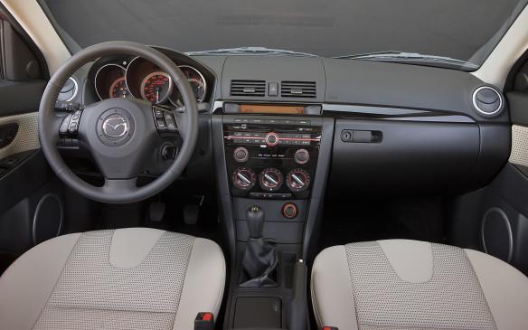 <p>2008 Mazda3 interior</p>