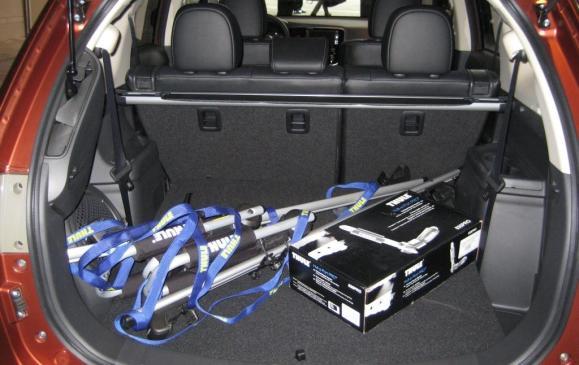 2014 Mitsubishi Outlander - cargo area, rear seatbacks up