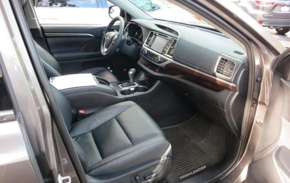 2014 Toyota Highlander - front seats
