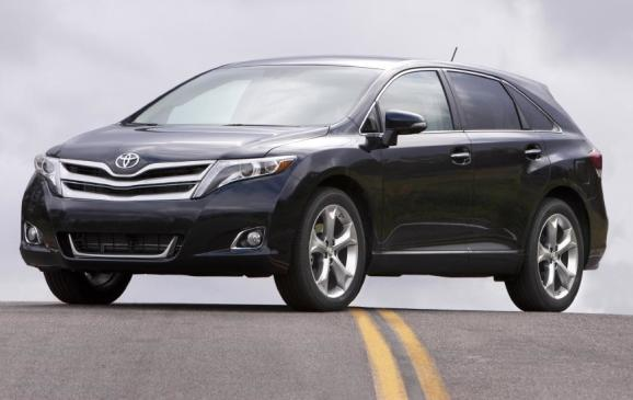 2013 Toyota Venza - front 3/4 view