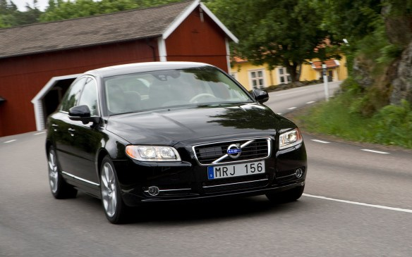"<p>Volvo's top-drawer sedan was crafted for 2007 using a parts bin from then-parent company Ford's shared global technology, but largely based on the ""C1 plus"" architecture that underpinned Ford of Europe's Galaxy minivan. The base S80 used a new 235-horsepower 3.2-L inline six cylinder shoehorned under the hood sideways and matched to a six-speed automatic transmission driving the front wheels. Optional was the 4.4-L DOHC V-8 supplied by Yamaha; it directed its 311 horsepower through the standard Haldex all-wheel-drive system. The performance-oriented T6 utilized a turbocharged 3.0-L inline six, good for 281 horsepower (later upgraded to 300 horsepower) and mated to the Haldex system.</p>"
