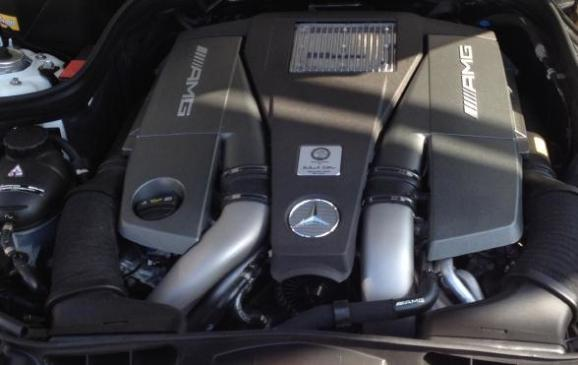 2014 Mercedes-Benz E-63 AMG - engine