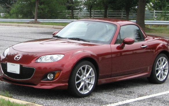 <p>In addition to the soft top, Mazda introduced an optional power-retractable polycarbonate hardtop to make the Miata more winter-friendly. It added just 36 kg of mass to the car and did not compromise trunk space. Problems? Premature clutch wear and clutch chatter are not unknown. Some newer models came with run-flat tires, which transmitted a punishing ride (solved by switching to regular tires and carrying tire sealant). Cabin water leaks may be traced to blocked drainage holes located on both sides of the rear parcel shelf, requiring a poke with a stiff wire.</p>