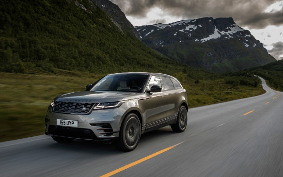 <p>The Velar First Edition was perfectly at ease and relaxed on the generally smooth Norwegian roads. Very quiet too, unless the tarmac is coarse. Full LED headlights, standard on all models, are brighter, more durable and less energy-hungry than xenon lights. The cluster is also the slimmest ever on any Land Rover vehicle, a battle won by the designers who fought the engineers over a 10mm difference. All V-6 models come standard with air suspension that lowers the body by 10mm at speeds above 105 km/h to reduce drag and fuel consumption and by 40mm when stopped to make ingress maneuvers easier.</p>