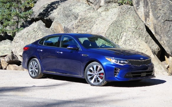 <p>The Kia Optima, now in its fourth-generation, changes things up for 2017 with improved ride comfort, a more spacious interior and premium materials upgrades. There are plenty of engine options to choose from including a 185-hp 2.4-litre four-cylinder; a new turbocharged, 1.6-litre four-banger and the 245-hp 2.0-litre unit.</p>