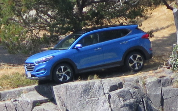 <p>The third generation Tucson is lower, longer and wider than the current model and rides on a longer wheelbase.</p>