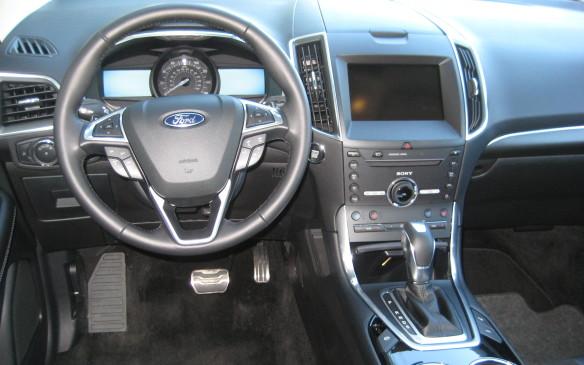 <p>2015 Ford Edge</p>