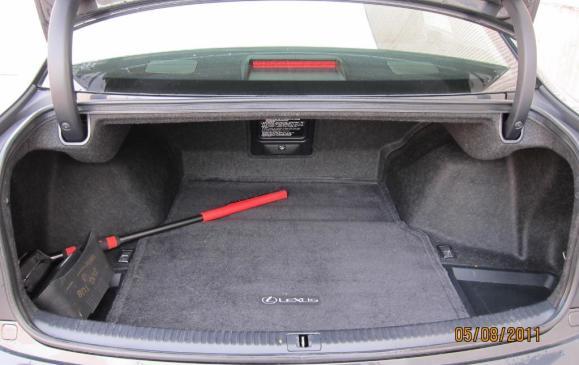 2012 Lexus IS350 - trunk