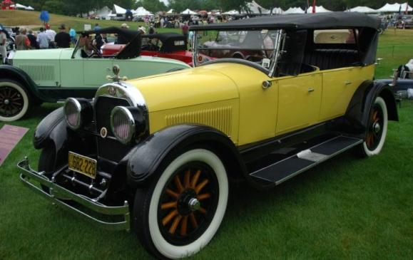 Old Cars - 1924 Cadillac Series V-63 Phaeton
