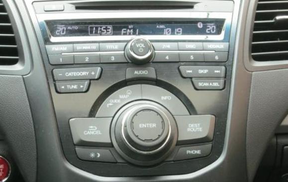 2013 Acura RDX - centre console