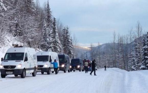 Mercedes-Benz Sprinter Arctic Drive - taking a break