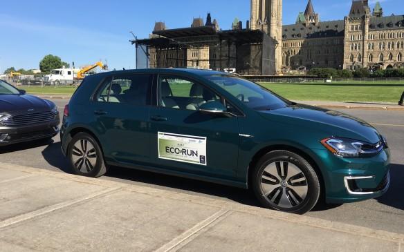 <p><strong>2017 Volkswagen e-Golf </strong></p> <ul> <li>100 kW electric motor and lithium-ion battery.</li> <li>Power output: 134 hp and 214 lb.-ft. of torque.</li> <li>Range: 201 km</li> <li>Fuel economy: 2.0 Le/100 km; AJAC energy consumption: 1.7 L/100 km combined.</li> </ul>
