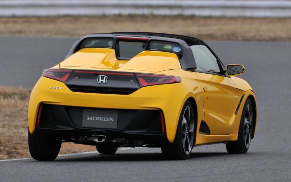<p>Honda S660 - by Hideyuki Nakano</p>