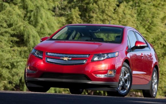 2013 Chevrolet Volt - front 3/4 view static