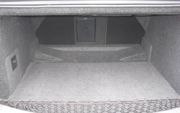2013 Cadillax XTS - trunk with seatbacks up