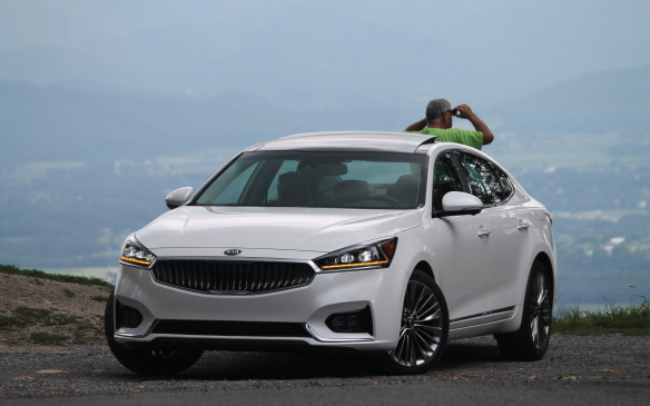 <p>The 2017 Cadenza is an all-new generation of Kia's high-value entry-luxe sedan.</p> <p>Words and pictures by Mark Richardson.</p>