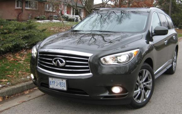 2013 Infiniti JX35 - front 3/4 view low
